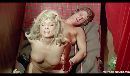 Seksi djevojke javno se grle www sexi porno