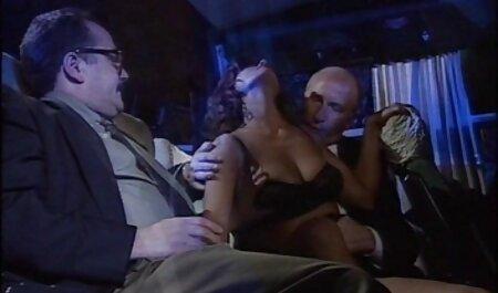 Crnka u odijelu i film sexi complet donjem rublju