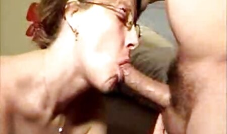 Savršena prsata baba Zafira gratis sexy film dodirne prst za vas