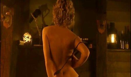 Lisa fetiš u Latex posluživanju u porno sexy model sobi