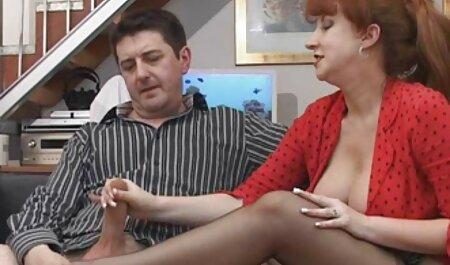 - Prsata njemačka hipi Jolie voli analni jebač i pušenje u mega sex film hostelu