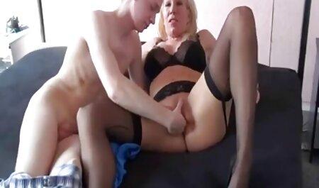 Mama i kćer u older sex film troje