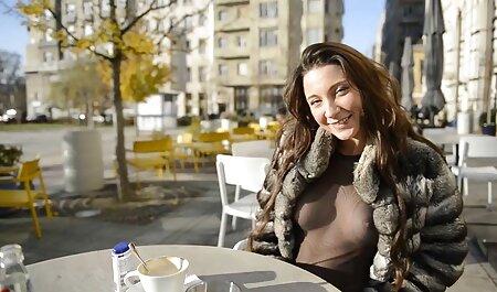 Žena dovršava filme sex porn kompilaciju PMV-a